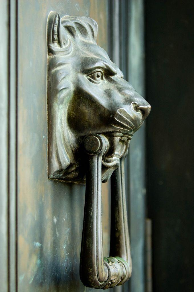 1000 ideas about lion door knocker on pinterest brass door knocker door knockers and doors - Lion face door knocker ...