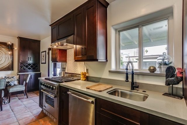 Cardinal kitchen & bath wholesale cabinets services Arizona's East Valley (Mesa Chandler Gilbert). Stop in our showroom today