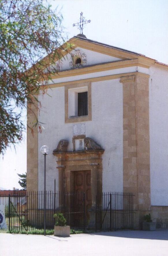 Il 15 agosto a #Pietraperzia si festeggia la Madonna della Cava.  #typicalsicily http://www.typicalsicily.it/events/48/evento-a-pietraperzia-festa-della-madonna-della-cava/…