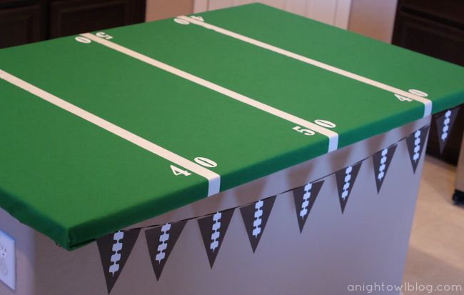 How To - Football Field Party Table