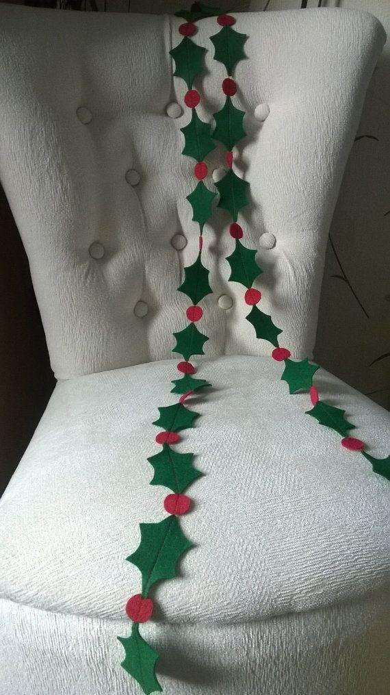 Felt Christmas Holly Garland, Christmas Decoration, Christmas bunting, Festive Decor
