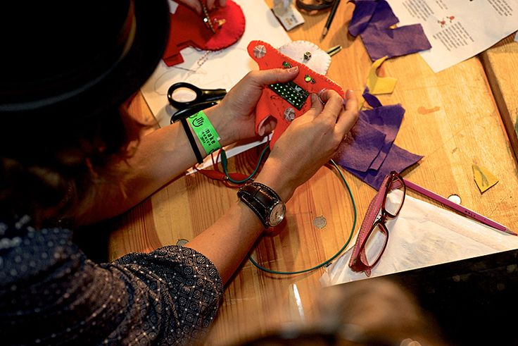Soft Circuit Workshop - Make Munich 2014