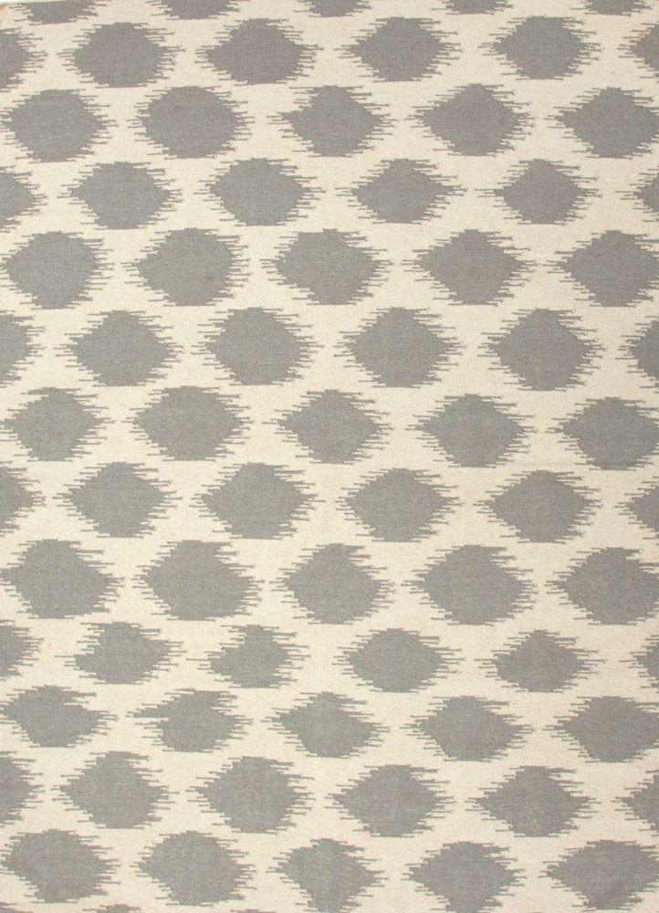 Maroc Nyasha Antique White/Medium Gray Area Rug from FROY