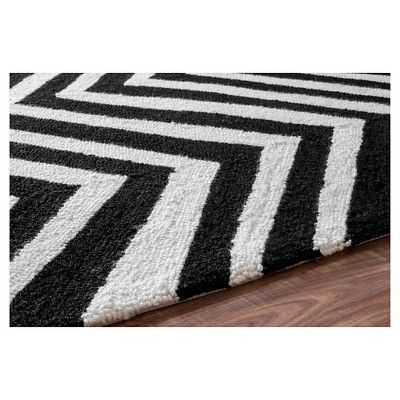 "nuLOOM 100% Wool Hand Hooked Chevron Area Rug - Black (7' 6"" x 9' 6"")"