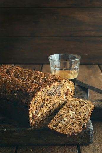 Old-Fashioned Date, Bran & Walnut Loaf