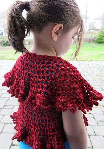 Unforgettable Summer Nights Circle Shawl, de Tanya Naser. http://www.ravelry.com/patterns/library/unforgettable-summer-nights-circle-shawl