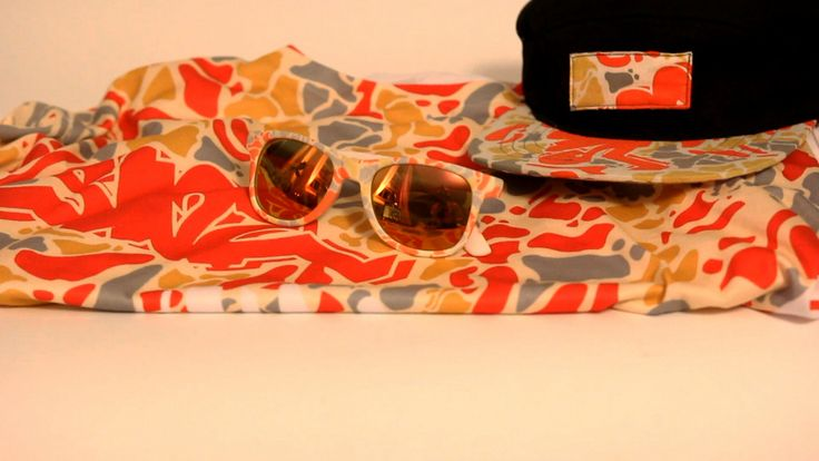 SIVE initially developed the Urban Camo pattern while working with the hip Los Angeles based custom clothing company @apliiq. He revisits the super popular design for the final pair of custom sunglasses in the #CanvasEyewear X #SIVE #collaboration series.  Canvas Eyewear X SIVE: http://canvaseyewear.com/2014/10/Canvas-Eyewear-X-SIVE-Urban-Camo-Custom-Sunglasses  SIVE X apliiq: http://blog.apliiq.com/site/2014/01/07/urban-camo-gear-review/
