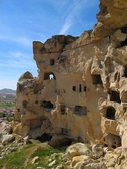ウチヒサルの住居を訪れてみたい。 トルコ旅行のおすすめ見所・観光アイデアまとめ。