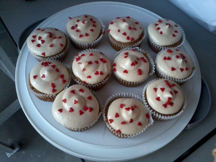 Cupcakes de Zanahoria y Canela con frosting de Queso Crema.