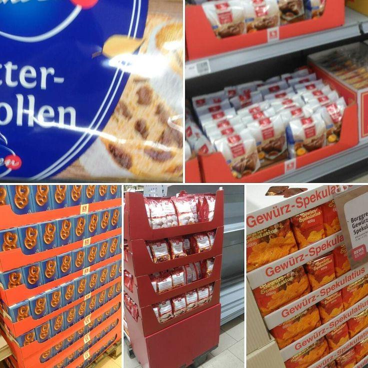 X-mas is in the supermarket. Darauf habe ich gewartet. #xmas #weihnacht #weihnachten #dienstag #christmas #weihnacht2017 #supermarkt #rewe #heubach #x-mas #stantaclaus #st.Claus #Nikolaus #christbaum #holynight #heiligenacht #dezember #cake #lebkuchen #stollen