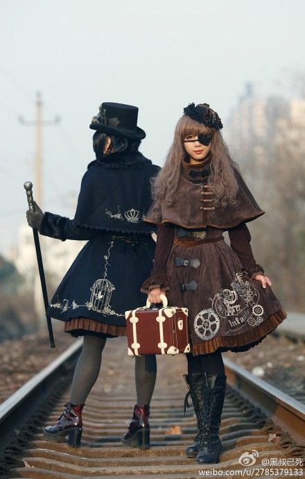 Infanta - Steampunk Lolita. THis seriously happened? O.o please excuse me while I go clean out my closet to make room.