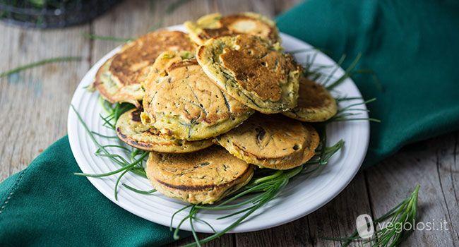 Ecco la ricetta della frittata senza uova agli agretti è facilissima da preparare e può essere un perfetto secondo piatto