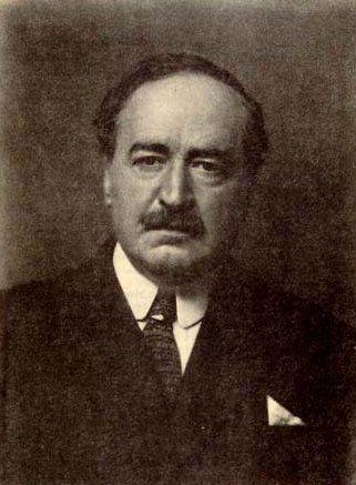 Vicente Blasco Ibáñez. Sus obras literarias se pueden agrupar según su variedad temática frecuentemente ignorada en su propio país. Escribió obras como Cañas y barro y La Barraca entre otras.