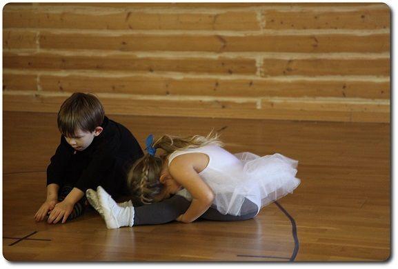 Дополнительные занятия в детском центре Монтессори Na'Vi. Танцы.  Летний лагерь 2016 для детей  http://montessori-centr.ru/nashi-zanyatia.php?tema=tantsi  #танцы #дополнительные_занятия #дети #частный_садик #садик #монтессори #детский_садик