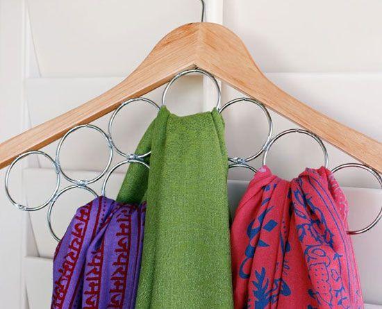 DIY Customiser un cintre pour ranger écharpes et foulards :)
