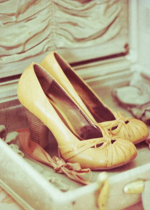 beautiful shoes... they are too high for me... but I love the color and everything else!