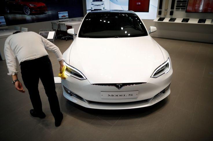 "Tesla's sales stall in Hong Kong as tax breaks end. Could the U.S. be next? Sitemize ""Tesla's sales stall in Hong Kong as tax breaks end. Could the U.S. be next?"" konusu eklenmiştir. Detaylar için ziyaret ediniz. http://www.xjs.us/teslas-sales-stall-in-hong-kong-as-tax-breaks-end-could-the-u-s-be-next.html"