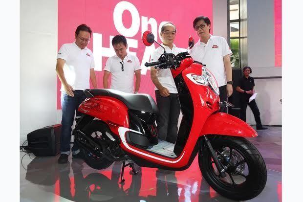 Gambar Motor Scoopy Terbaru Honda Scoopy Terbaru Tak Gunakan Velg