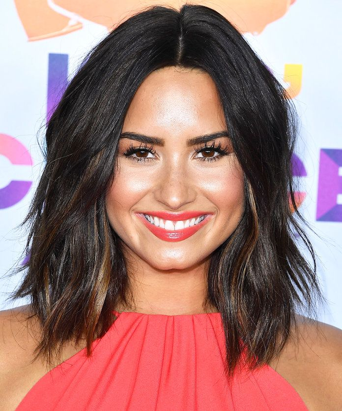 While there's never a bad time to unveil a haircut, there's no place like the red carpet to debut a dramatic new look. And that's exactly what Demi...