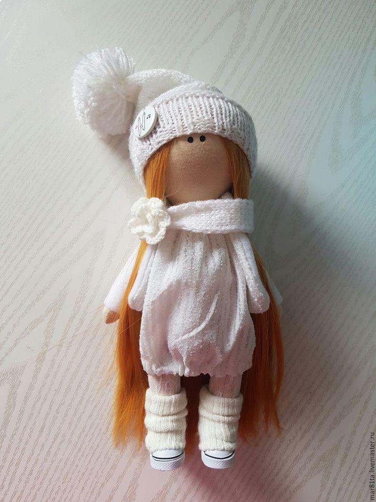 Купить или заказать Интерьерная кукла ручной работы в интернет-магазине на Ярмарке Мастеров. Интерьерная кукла ручной работы.Выполнена из трикотажа.Волосы можно расчесывать.Одежда и обувь не…
