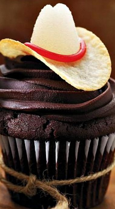 Cowboy Cupcakes ❊