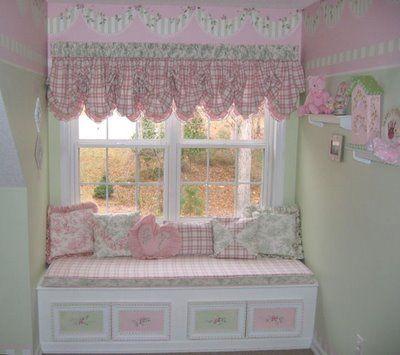 Google Image Result for http://2.bp.blogspot.com/_L-deInbQA9c/SkxBp55YPQI/AAAAAAAACWI/i0-p1xKjedY/s400/shabby-chic-girls-room.jpg