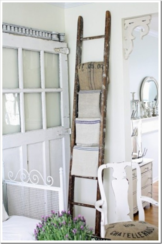 Rustic ladder towel quilt or blankets--I ha e been searching for an old ladder for my throws and can't find one!! Where can I find this?-MP