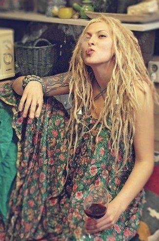 I dig white girl dreads