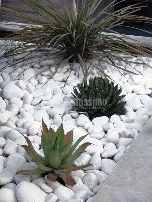 Las 25 mejores ideas sobre piso de piedras en pinterest - Jardines con gravilla ...