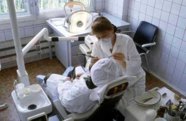 Заболевания мягких тканей, которые окружают зуб, могут быть причиной различных видов рака, например, опухолей пищевода, полости рта и молочной железы. У курящих риск развития злокачественных опухолей выше.Ученые проанализировали данные о состоянии мягких тка�