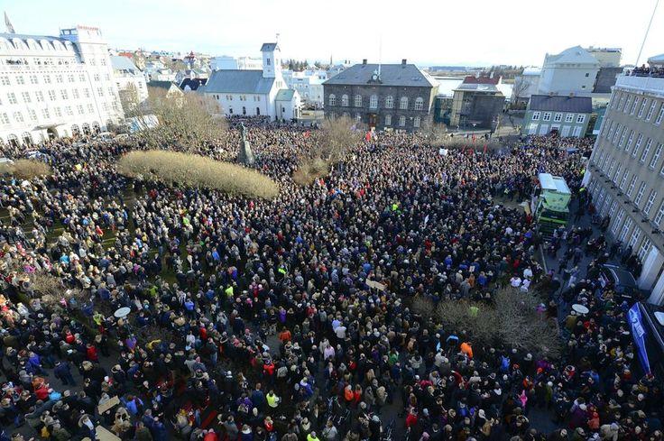 Panama Papers : les Islandais demandent massivement la démission de leur Premier ministre Check more at http://info.webissimo.biz/panama-papers-les-islandais-demandent-massivement-la-demission-de-leur-premier-ministre/