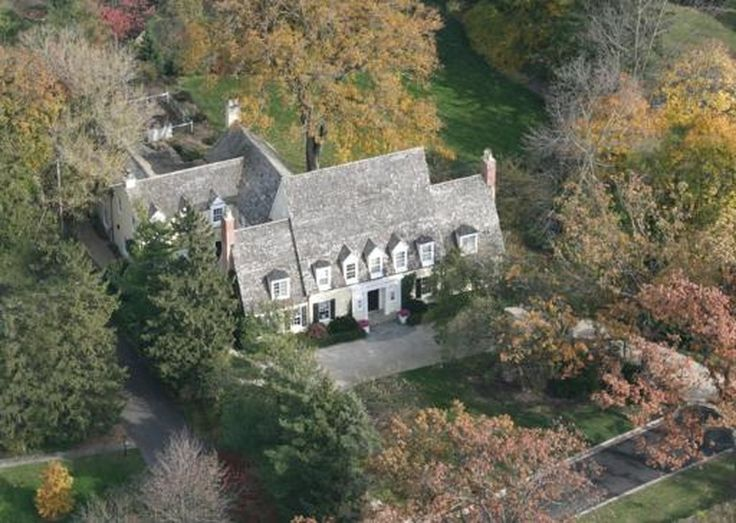 Lake Forest Illinois house from Miracle 34th remake for sale