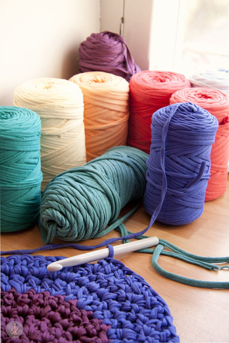 72 best T shirt Yarn/ Upcycle images on Pinterest   Hanging baskets, Tricot  crochet and DIY