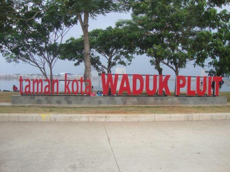 Ahok, Waduk Pluit, dan Impian Jakarta World Class City | iklanbarisweb