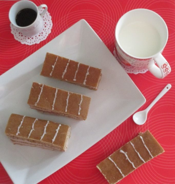 Una rivisitazione della famosa merendina Kinder...La kinder colazione più, con tutto il sapore dei 5 cereali e una farcitura golosa che abbina il caffè al cioccolato.