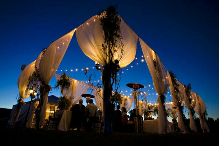 Evening Wedding Outside Yes Please Wedding Stuff Pinterest Beautif