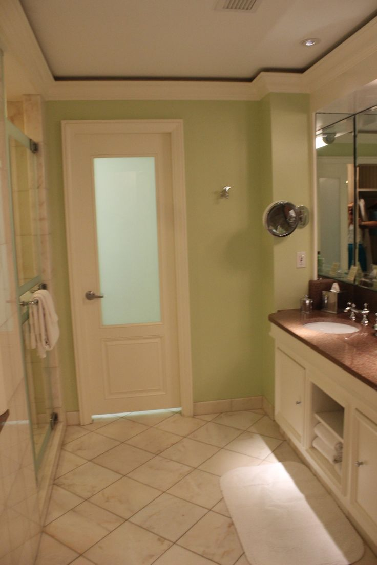 The Breakers - Stunning Marble Bathroom!