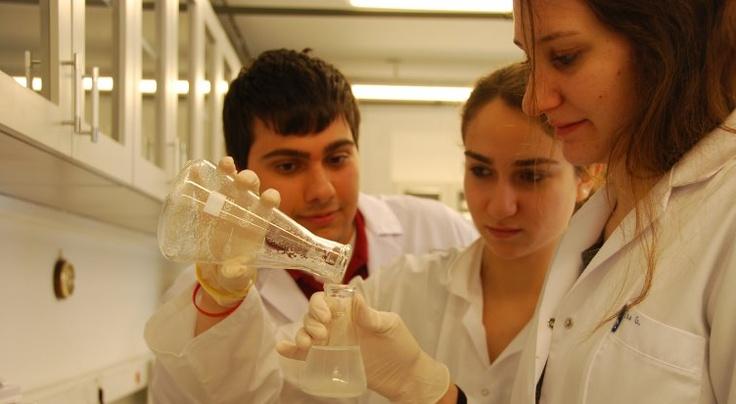 Genetik ve Biyomühendislik laboratuvarında deneylerin sonu yok!
