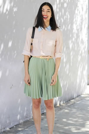 .: Mint Green, Fashion, Pastel Cerveza Tennis, Mint Skirts, Color, Street Style, Outfit, Black Shoes, Pleated Skirts