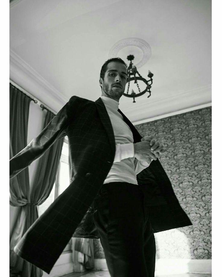 Mафия Hombres de Honor  Fotografia : Mairo Arde Mua : Javi Katsner M : Caio Condi ( New Models) Vestuario : Wendy Pozo - Londress Produccion : Constanza Silva www.londress.cl #hombresdehonor #editorial #menswear #male #model #tailoring #Londress #newmodels #patrimonio #suit #dappermen #test #blackandwhite #fashionphotography #vestuariomasculino