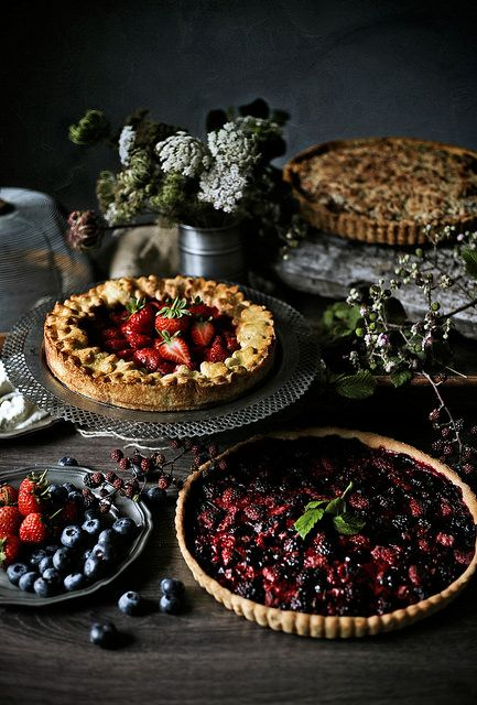 Pies, lots of pies - Mónica Pinto