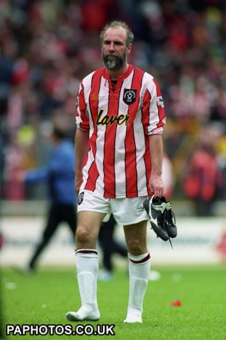 Soccer - FA Cup - Semi Final - Sheffield Wednesday v Sheffield United - Wembley Stadium - Hes got no hair but we dont care, Alan Alan Cork!!