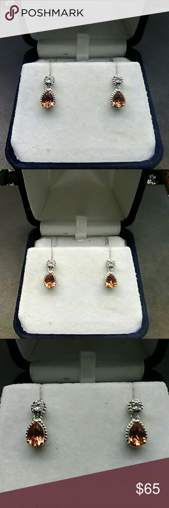 2.75cts Genuine Mystic Topaz & White Topaz 925 Beautiful mystic topaz & white topaz teardrop earrings. Genuine 2.75 carats Mystic Topaz & White Topaz. Solid 925  sterling silver earrings. FLASH SALE $45 THIS WEEKEND Estate piece. Never worn, comes in a gift box. estate 925 Jewelry Earrings