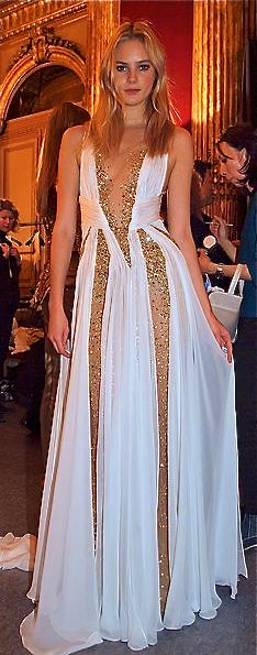 Modern goddess - beautiful gown in white and gold Zuhair Murad #Sabelline