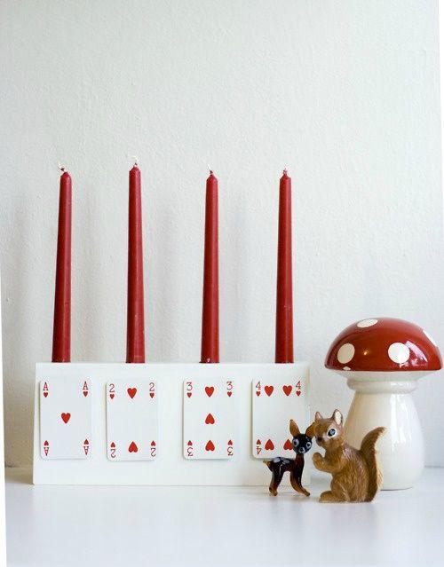Canelobre decorat amb cartes de poker