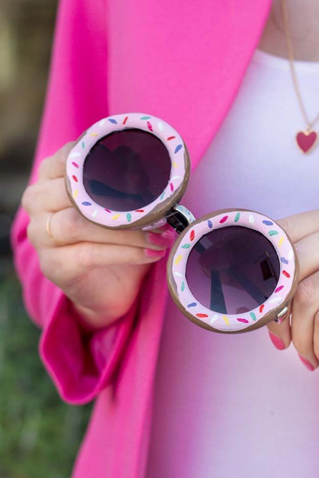 DIY Crafts Using Nail Polish - DIY Donut Glasses - Fun, Cool, Easy and Cheap Craft Ideas for Girls, Teens, Tweens and Adults | Wire Flowers, Glue Gun Craft Projects and Jewelry Made From nailpolish - Water Marble Tutorials and How To With Step by Step Instructions http://diyprojectsforteens.com/best-nail-polish-crafts