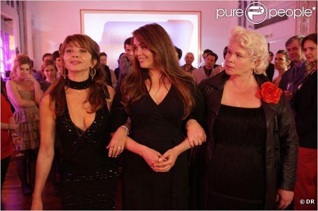 Catherine Hosmalin, est Françoise, la cinquante à la recherche de l'amour sur les réseaux sociaux... http://www.theatredesmathurins.com/spectacle.php?id=363