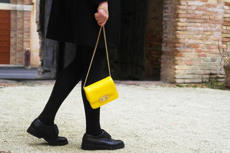 #bags #yellow #outfit #veryfashionplanet