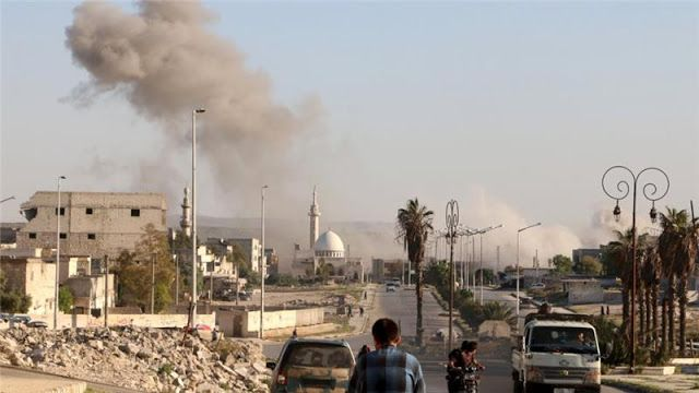 Syiah Suriah Bombardir Aleppo Saat Shalat Jum'at Puluhan Muslim Syahid Seketika  Foto by: risalah.tv  Syaihindonesia.com - Serangan udara terus dilancarkan oleh militer rezim Suriah pada hari Jum'at kemarin. Bombardir di kawasan-kawasan pemukiman Aleppo yang dikuasai oposisi terus membunuh dan melukai puluhan warga sipil. Sekitar 20 orang di seluruh provinsi Aleppo dilaporkan meninggal dunia akibat serangan rezim Assad saat waktu shalat Jum'at kaum Muslimin setempat. Zouhir al-Shimale…