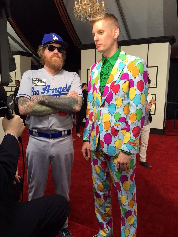 What to wear to the Grammy awards, according to the band Mastodon.